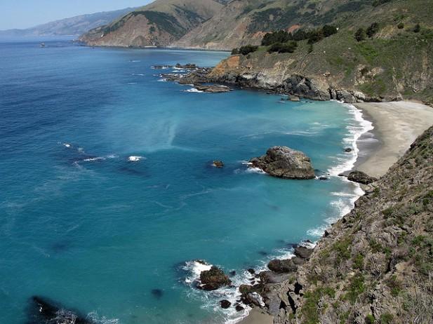 Foto de praia no Big Sur.
