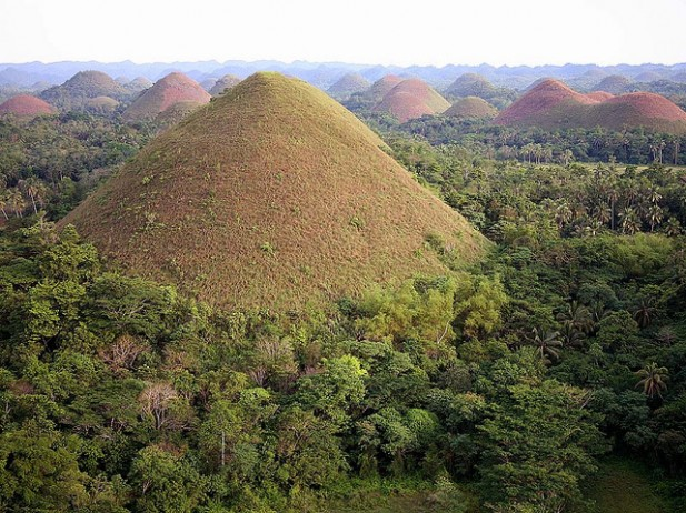 Foto das Chocolate hills na Bohol island, Filipinas.