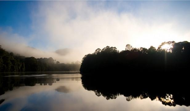 Foto do amanhecer na Tasmânia.