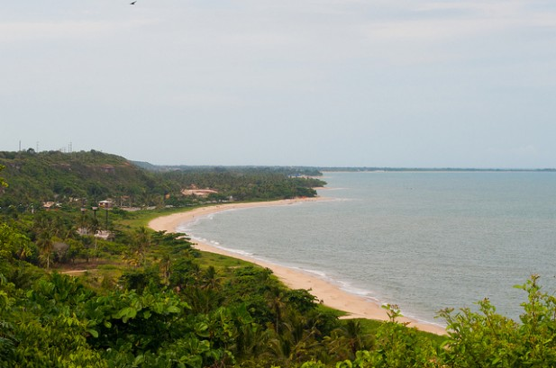 Foto da Orla de Porto Seguro no Brasil.