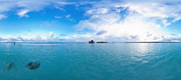 Foto panorâmica de mar e da ilha de San Andrés.