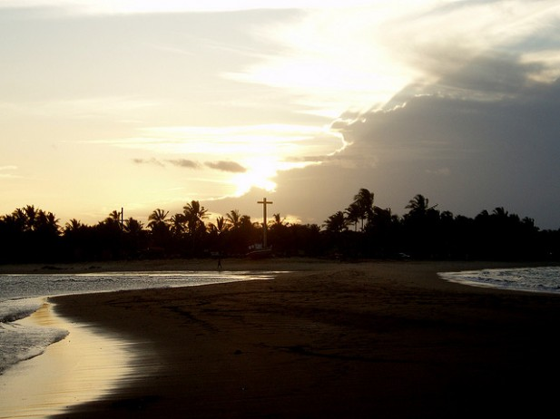 Foto de pôr do sol em Porto Seguro, Brasil.