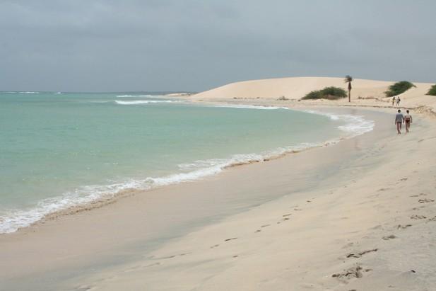 Foto de mar e praia de Cabo Verde.