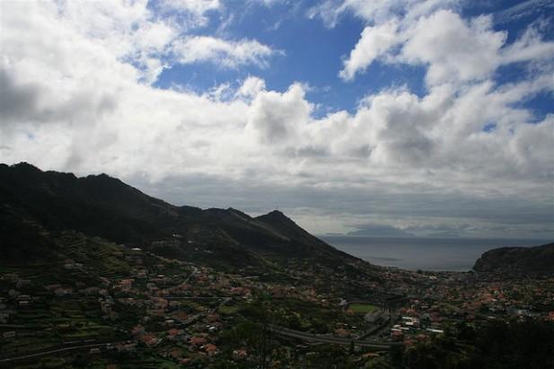 Foto da povoação de Machico, Madeira.