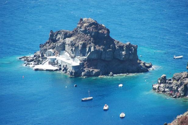 Foto de mar em Santorini, Grécia.