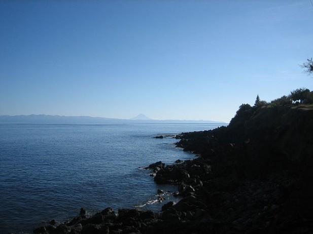 Foto de mar e horizonte.