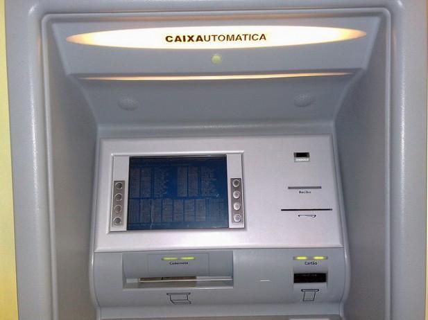 Depositar dinheiro caixa multibanco
