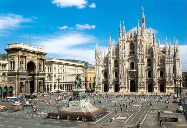Milano_Piazza-del-Duomo_2526