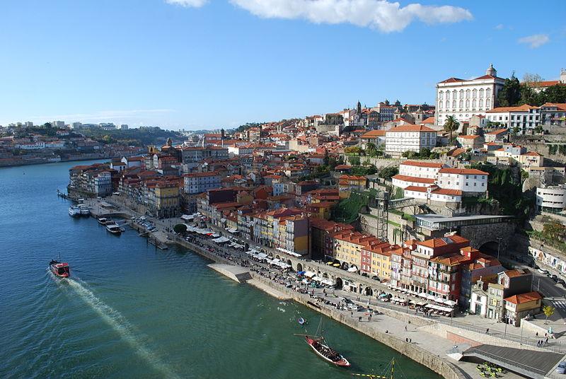 Porto - Paço Episcopal e Ribeira (foto: Concierge.2C / wikimedia)