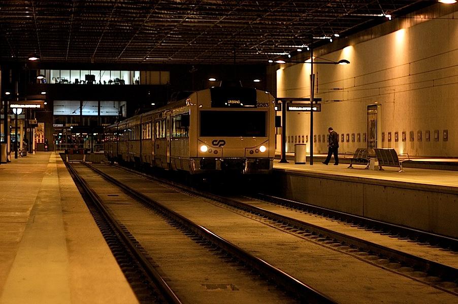 Comboio urbano na Estação de Braga
