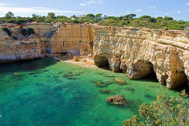 beach-albandeira-vilamoura-algarve-380x253