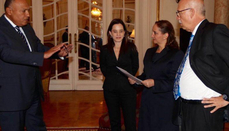 Claudia Ruiz Massieu, ministra dos Negócios Estrangeiros do México, reunida com Sameh Shoukry, ministro dos Negócios Estrangeiros do Egipto